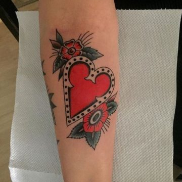 tatouage coeur old school traditionnel anomaly paris