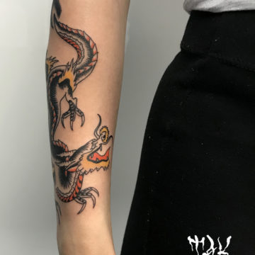 Tatouage dragon, style old school – Anomaly Paris